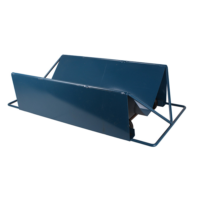 Hog Slat dead sleds help minimize the potential for back strain or injury during removal and can be pushed or pulled from either side.