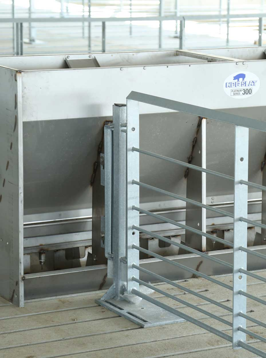Hog Slat gating panels can be used with our mounting posts, wall brackets and other installation accessories to create catch pens, sorting areas and other specific needs in every type of pig penning layout.